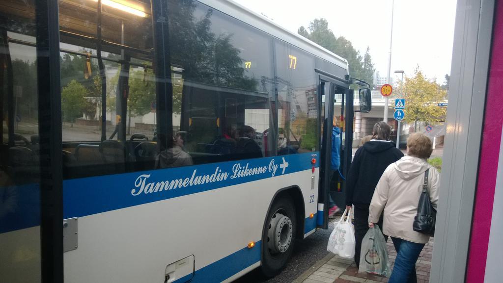 Nimi: Tammelund v77.jpg Katselukertoja: 656 Koko: 72,6 KB