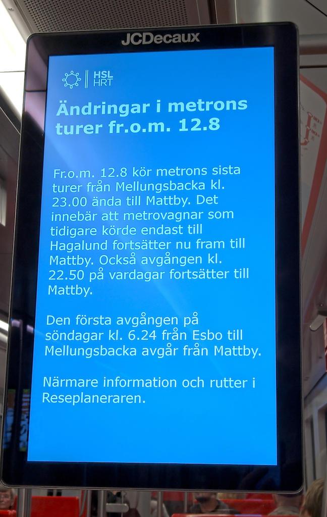 Nimi: HSL-tiedote metrossa.jpg Katselukertoja: 565 Koko: 112,6 KB