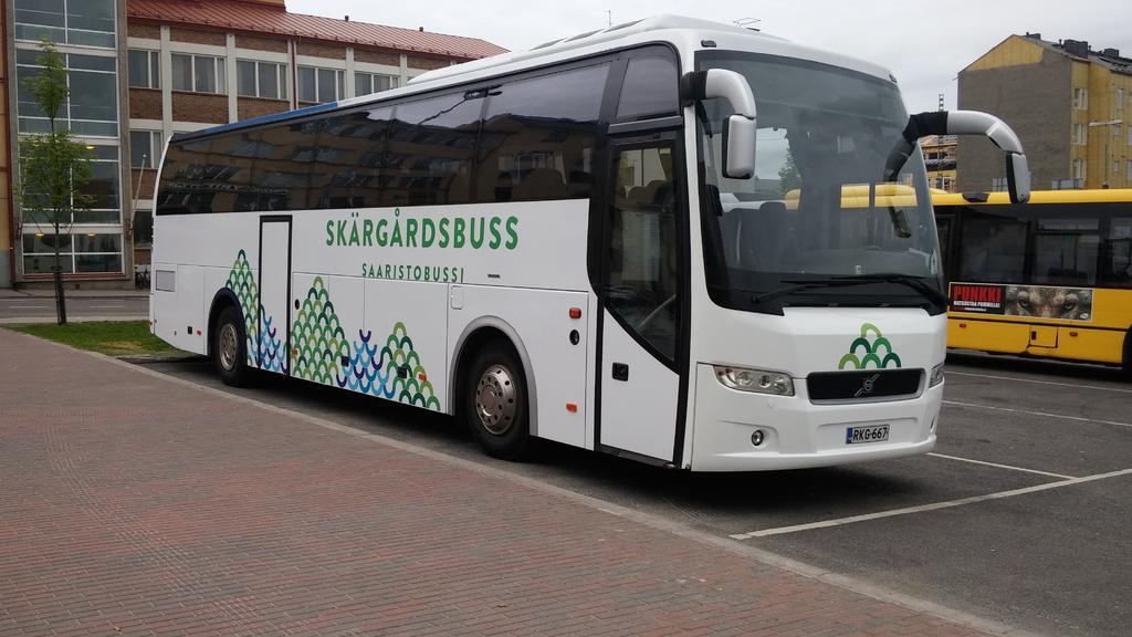 Nimi: Saaristobussi_RKG667.jpg Katselukertoja: 1251 Koko: 88,1 KB