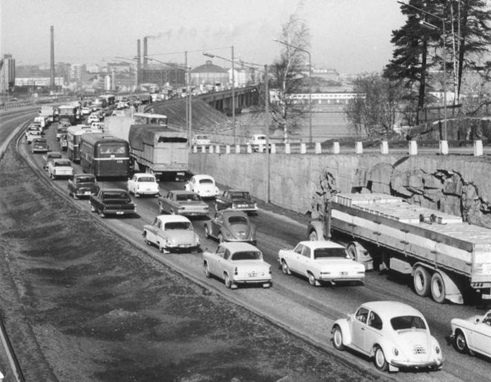Nimi: Kulosaaren silta 1960-luvulla.jpg Katselukertoja: 3676 Koko: 66,8 KB