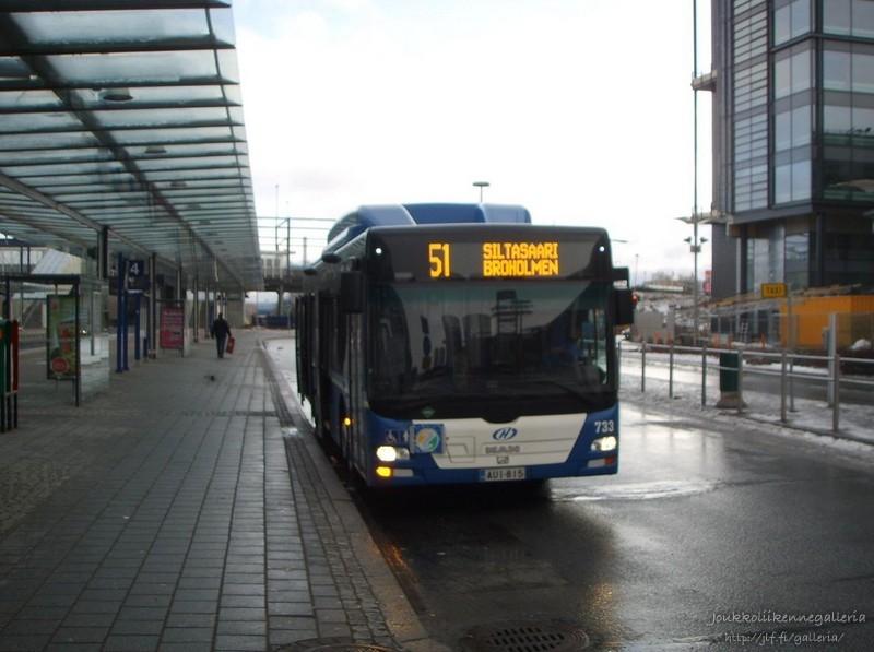 Helsingin Bussiliikenne 733
