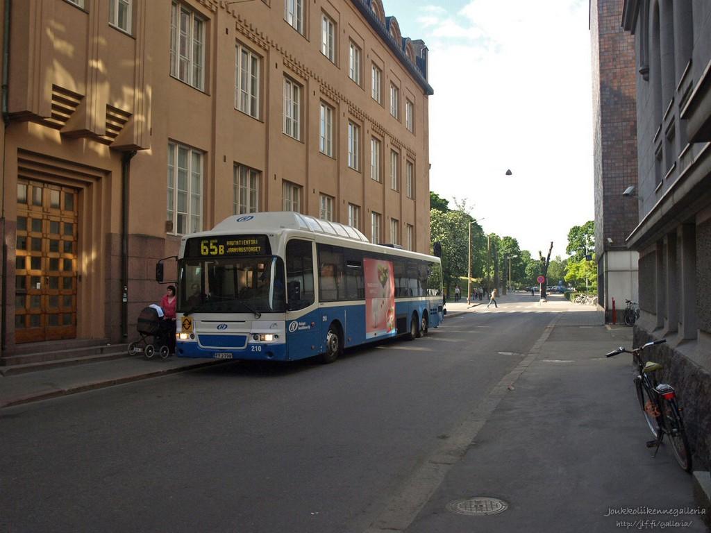 Helsingin Bussiliikenne 210