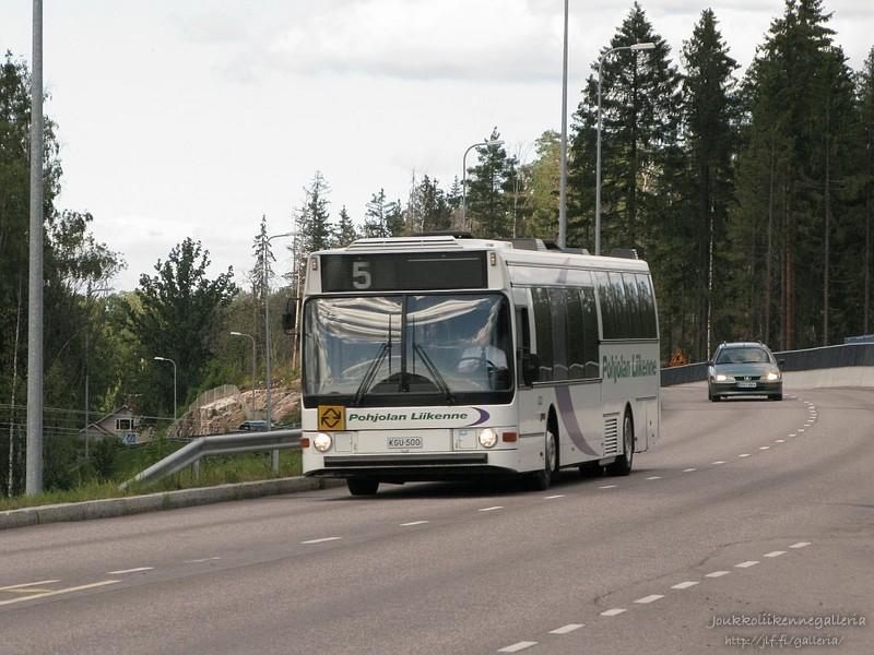 Pohjolan Liikenne 833