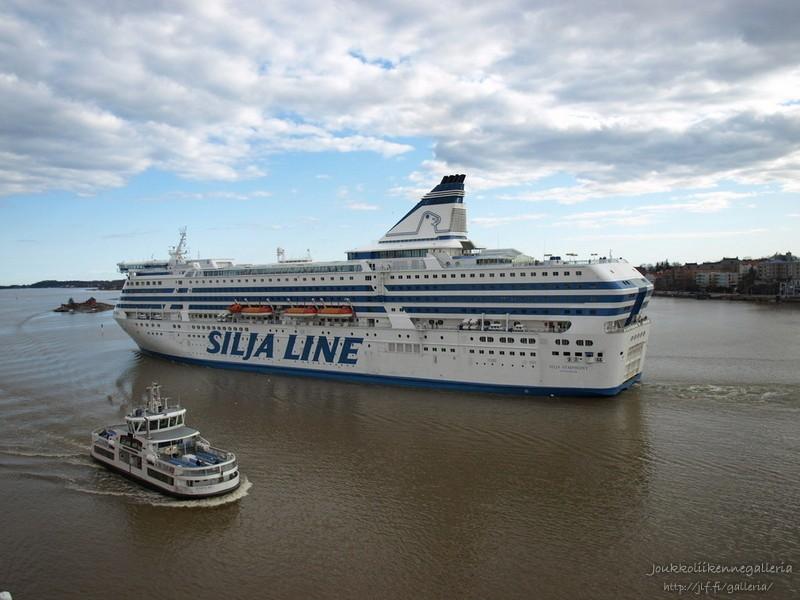 SLL Suomenlinna II ja Silja Symphony