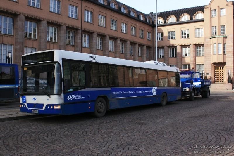 Helsingin Bussiliikenne 17 ja Helsingin Bussiliikenne 1509