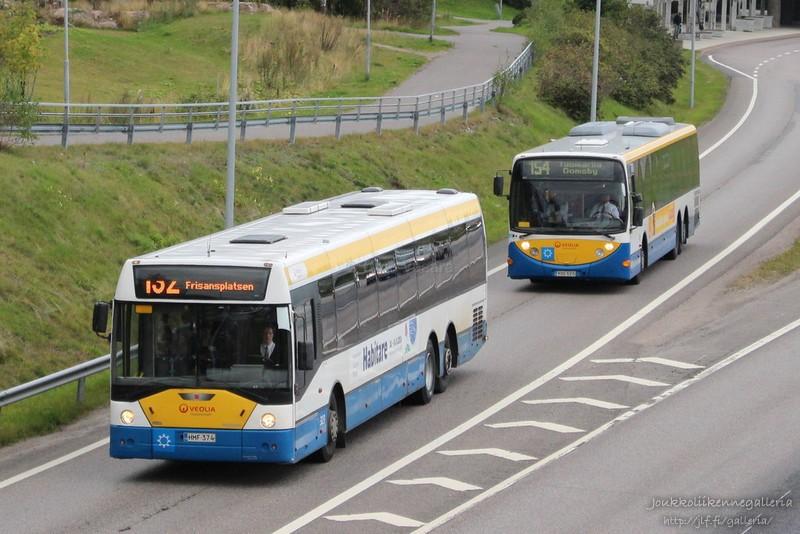 Veolia Transport 323 ja 305