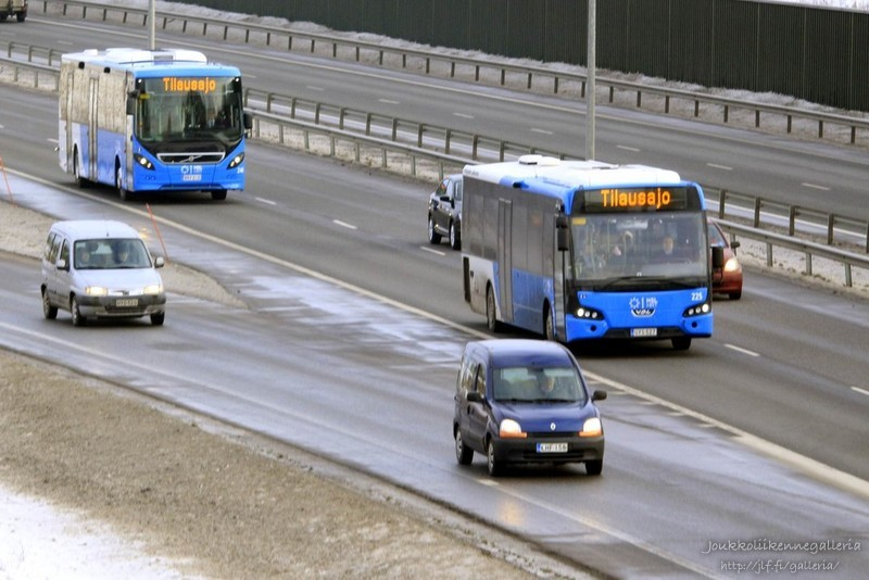 Pohjolan Liikenne 225 & 244