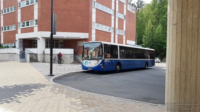 Helsingin Bussiliikenne 425