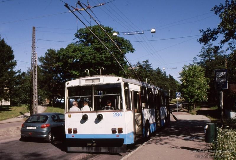 Tallinna Trammi- ja Trollibussikoondis 284