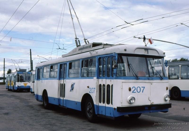 Tallinna Trammi- ja Trollibussikoondis 207