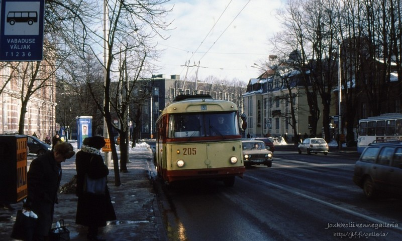 Tallinna Trammi- ja Trollibussikoondis 205